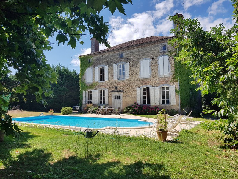 Chateau, 280 m²