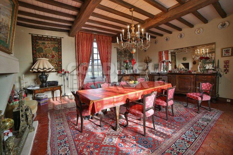 Maison, 924 m²