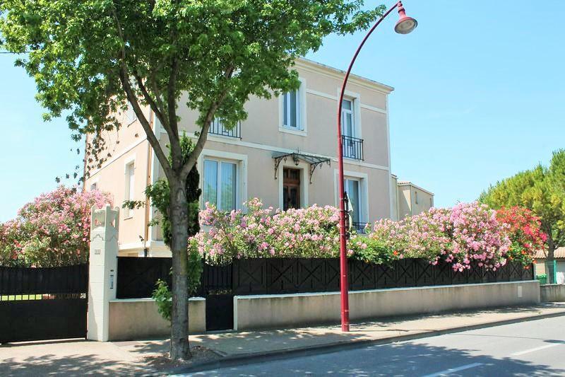 Eclairage exterieur facade maison immoselection - Eclairage facade maison ...