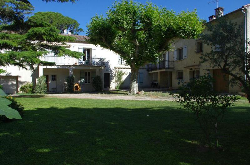 Maison, 566 m²