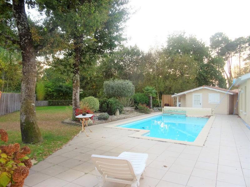 Maison piscine jardin arbore pessac immoselection for Piscine pessac