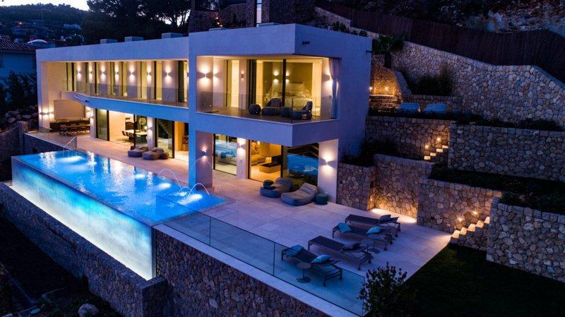 Maison, 1 140 m²